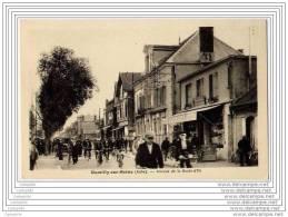 10 - ROMILLY SUR SEINE - Avenue De La Boule D Or (animee Cyclistes) - Romilly-sur-Seine