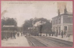 27 - LA RIVIERE THIBOUVILLE---La Gare--Personnel De Gare Et Ouvriers Sur Les Voies--Train Vapeur--beau Plan - Francia