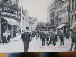 BZ - 80 -  AMIENS - RUE REPUBLIQUE - Tré Animée - Tramway - Café - Cachet 37me Section Des Chemins De Fer De Campagne - Amiens