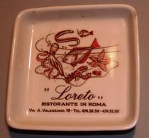 """003 POSACENERE PORCELLANA RICHARD GINORI """"LORETO"""" RISTORANTE IN ROMA Posacenere Quadrato (cm 10 X 10) Decorato Con Una S - Porcellana"""