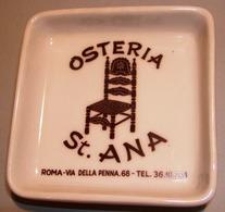004 POSACENERE PORCELLANA RICHARD GINORI OSTERIA ST.ANA Posacenere Quadrato (cm 10 X 10) Decorato Con Il Logo Dell'Oster - Porcelain