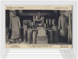 MILITARIA - Specimens De Projectiles Allemands - Douilles - Uniformes De Capitaine D Infanterie - Musee De L Armee - Uniformes