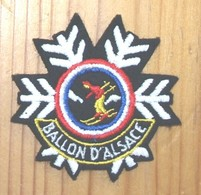 ECUSSONS  BALLON D'ALSACE - Escudos En Tela