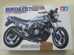 MAQUETTE A MONTER TAMIYA 1/12e / MOTO HONDA CB750F CUSTOM TUNED Complète Non Commencée - Motos