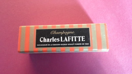 BOITES D ALLUMETTES  CHAMPAGNE CHARLES LAFITTE  ****    RARE  A SAISIR ******* - Matchboxes