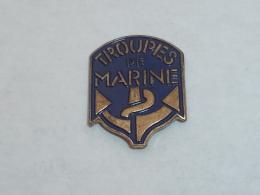 Pin's TROUPES DE MARINE - Army