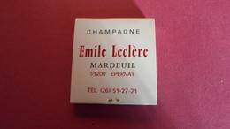 BOITES D ALLUMETTES CHAMPAGNE EMILE LECLERC  MARDEUIL  *****     A  SAISIR  **** - Matchboxes
