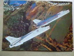 AERONAVAL  CRUSADER VOL EN FORMATION - 1946-....: Modern Era