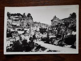 L3/182 Rocamadour. Le Rocher Vu De La Route De Cahors - Rocamadour