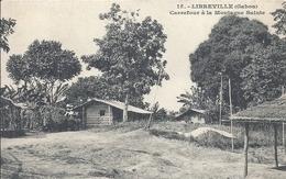 GABON - LIBREVILLE - Carrefour à La Montagne Sainte - Gabon