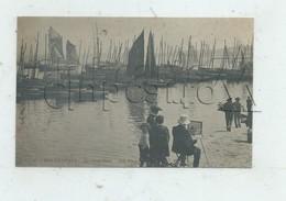 Douarnenez (29) : GP D'un Peintre Paysagiste Devant Le Port Vieux En 1910 (animé) PF. - Douarnenez