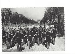 19940 - Paris La Revue Du 14 Juillet 1939 Saint Cyr (format 10 X 15) - Arc De Triomphe