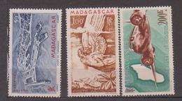 MADAGASCAR       N°  YVERT      PA 63/64A    NEUF SANS  CHARNIERE       ( Nsch 02 ) - Madagascar (1889-1960)