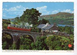 36622-ZE-ROYAUME UNI-Snowdon Mountain Railway Train Leaving Llanberis---------animée-train - Pays De Galles