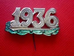 """1936 INSIGNE ÉPINGLETTE DE CONSCRIT MILITAIRE """" 1936 """" Métal Doré Avec Attache Épingle-Militaria-Médaille-insigne - Insigne & Ordelinten"""