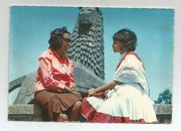 Ethiopie Ethiopia Young Girls In Front Of Lion Of Judah Statue Addis Ababa - Ethiopia