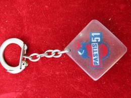 Porte-clés Publicitaire/Boisson/PASTIS 51//Inclusion Dans Plexiglass/Vers 1960-70  POC284 - Porte-clefs