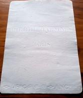 Buvard Ancien - PIERRE BALMAIN  - PARIS -  PARFUM & MODE   - Buvard Entièrement Blanc - Marquage Lettres En Relief - Parfums & Beauté