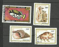 Wallis Et Futuna PA N°76, 211, 212 (210 Abîmé Offert)  Cote 4.10 Euros - Luftpost