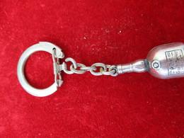 Porte-clés Publicitaire/Boisson/Grand MARNIER/ Liqueur/Tôle Emboutie Soudée/ Vers 1960    POC297 - Porte-clefs