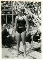 110618 - PHOTO DE PRESSE 1937 SPORT NATATION Piscine Des Tourelles Mlle HVEGER Gagnante 400 M - Sport