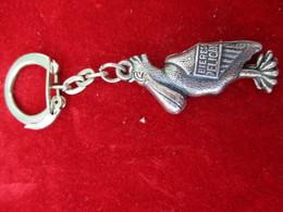Porte-clés Publicitaire/Boisson/Biéres Pélican / Tôle Emboutie Soudée/ Vers 1960    POC291 - Porte-clefs