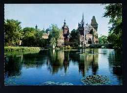 Hungría. Budapest *Town-park, Vajdahunyad Castle* Foto: Czeizing Lajos. Circulada 1978. - Hungría