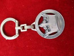 Porte-clés Publicitaire/Boisson/CHAMPIGNEULLES/ Reine Des Biéres/Bronze Estampé Nickelé/AUGIS/LYON/ Vers 1960    POC294 - Porte-clefs