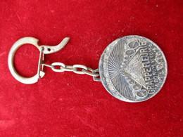 Porte-clés Publicitaire/Boisson/Vin / GRAPPEFLEURIE/Bonum Vinum//Bronze Estampé Nickelé/AUGIS/LYON/ Vers 1960    POC295 - Porte-clefs