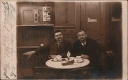 ! Alte Fotokarte, Photo, 1913, Breslau, Cafe, Rückseitig Ansichtskarten Im Ständer - Schlesien