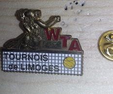 Pin's  WTA TOURNOIS DE LIMOGES FEMININ TENNIS   P49 - Tennis