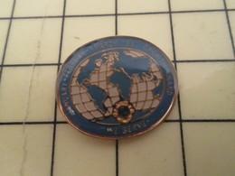 513B Pin's Pins : BEAU ET RARE :  THEME ASSOCIATIONS / LION'S CLUB GLOBE TERRESTRE - Associations