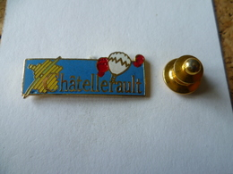 PIN'S  MONTGOLFIERE  CHATELLERAULT - Airships