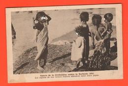 India Indie Les Enfants Attendent Leurs Papas Cpa 1914  Missioni India - Asia