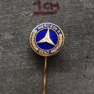 Badge Pin ZN006989 - Automobile (Car) Truck (Lastkraftwagen / Kamion) Mercedes-Benz - Mercedes