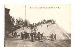 CPA Indochine La Récolte Du Sel Sur Les Côtes De L'Annam - Cartes Postales