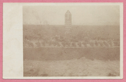 62 - COURCELLES Le COMTE - Carte Photo Allemande - Friedhof - Cimetière - Denkmal - Guerre 14/18 - 3 Scans - Zonder Classificatie