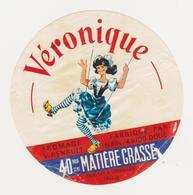 ETIQUETTE DE FROMAGE VERONIQUE RENAULT 49 F - Cheese
