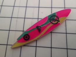 Pin417 Pin's Pins / Beau Et Rare : Thème SPORTS / Grand Pin's PLANCHE DE SURF Par COINDEROUX CORNER - Water-skiing