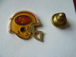 PIN'S  FOOTBALL  AMERICAIN    CASQUE  SF - Badges