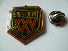 PIN'S  FOOTBALL  AMERICAIN    SUPER  BOWL - Altri