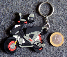 Porte-clé En Résine Souple Du Scooter ICE GILERA - Motos