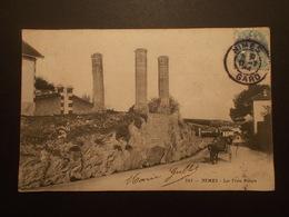 Carte Postale - NIMES (30) - Les Trois Piliers (2300) - Nîmes