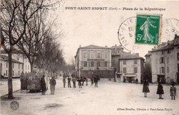 86Cpt  30 Pont Saint Esprit Place De La Republique Café De La Bourse Boulangerie Salambaud - Pont-Saint-Esprit