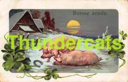 CPA EN RELIEF GAUFREE  COCHON EMBOSSED CARD PIG - Cochons
