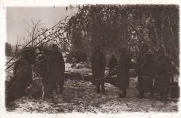 Foto Deutsche Soldaten - Stellung Im Wald - Winter - 2. WK - 11*7cm (35193) - Guerre, Militaire
