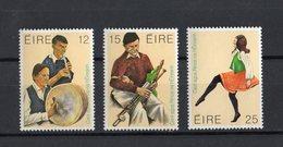 IRLANDA :  Musiche E Danze Folcloristiche  -  3 Val.  MNH**  25.09.1980 - 1949-... Repubblica D'Irlanda