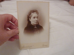 PHOTO ORIGINALE 19EME  PORTRAIT FEMME MODE COIFFURE BROCHE FOULARD GERSCHEL PARIS FORMAT CABINET - Old (before 1900)