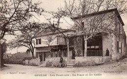 Oppède -    Les Poulivets -   La  Place Et  Les  Cafés. - Oppede Le Vieux