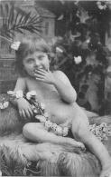 ENFANT TRES JEUNE ILLUSTRATEUR  PHOTO - Other